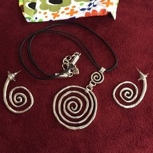 💝 Brighton Swirl Necklace and matching earrings.